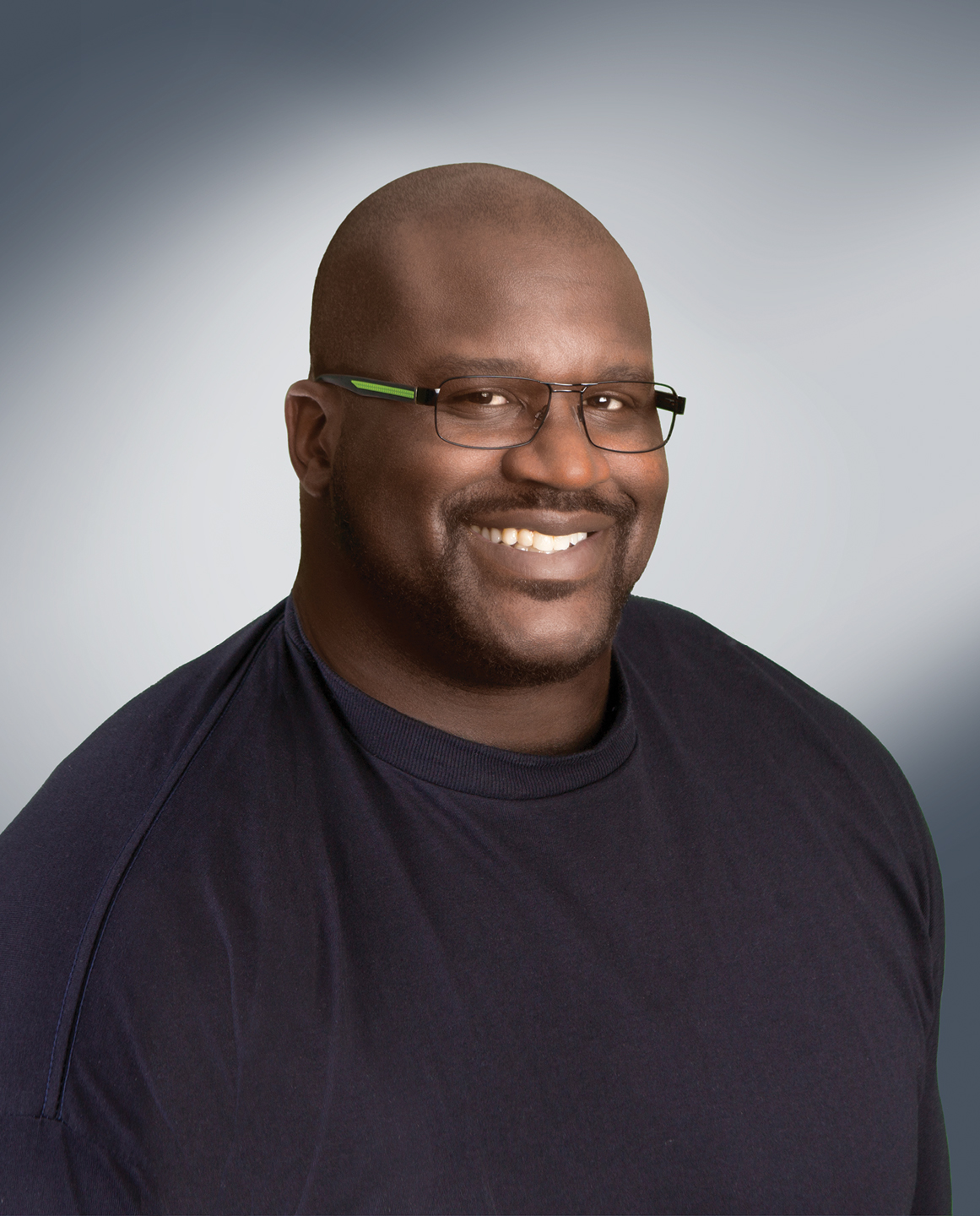 americas best contacts eyeglasses has a new celebrity partner shaq